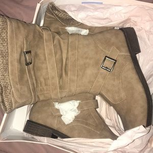 Boots never worn in box
